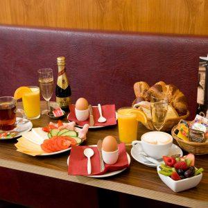 Champagne ontbijt Den Haag